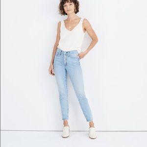"""PETITE 9"""" skinny crop jeans in Ashbury wash"""